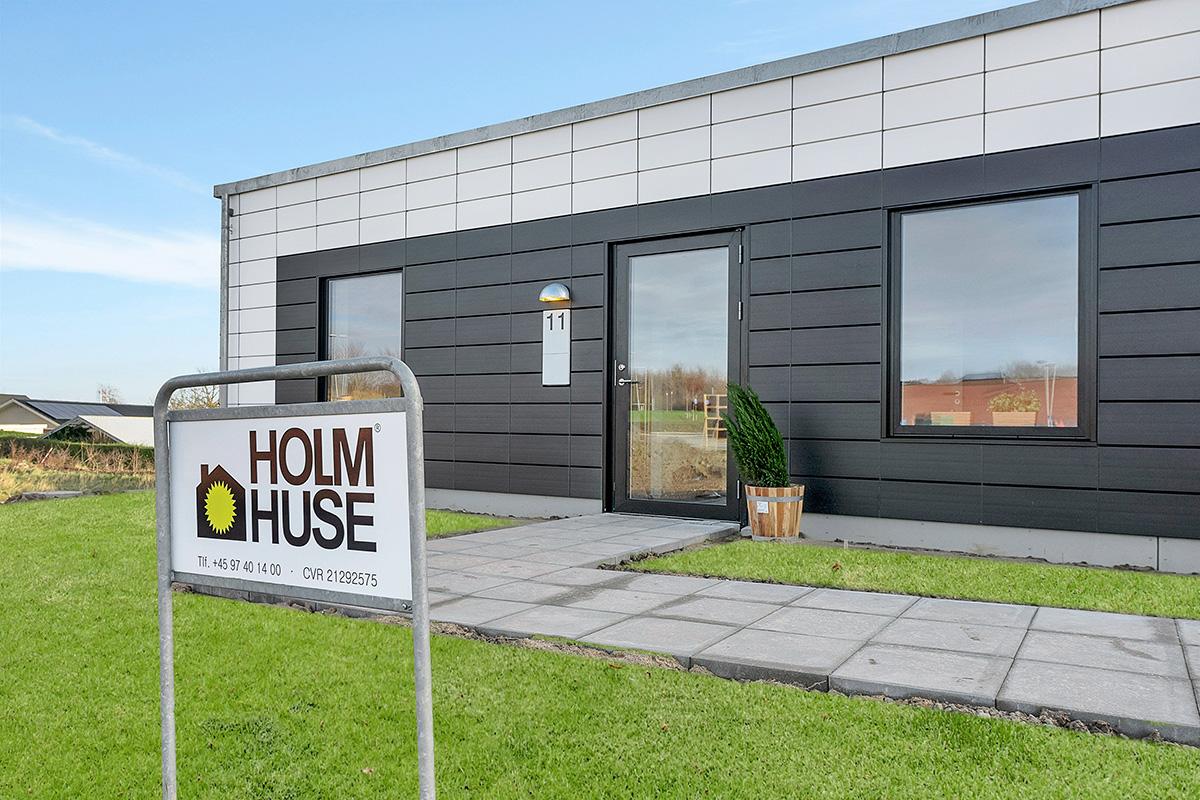 Holm-huse-skoedstrup-facade-eksterioer-skilt