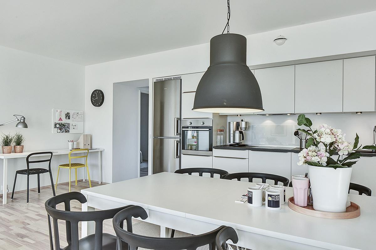 Holm-huse-trylleskov-koekken-alrum-spisebord